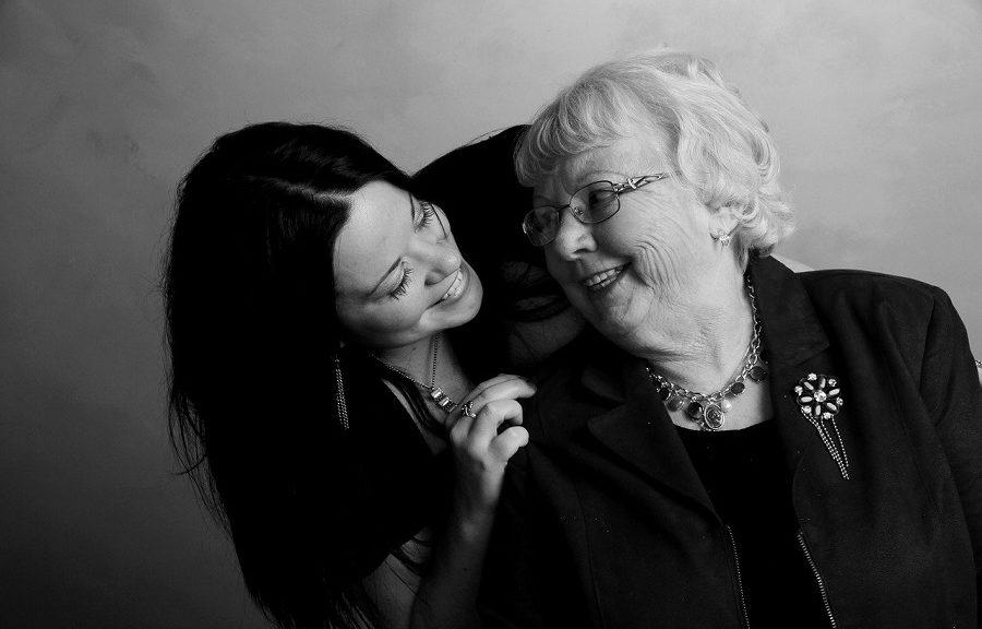 grand-mère-et-sa-petite-fille